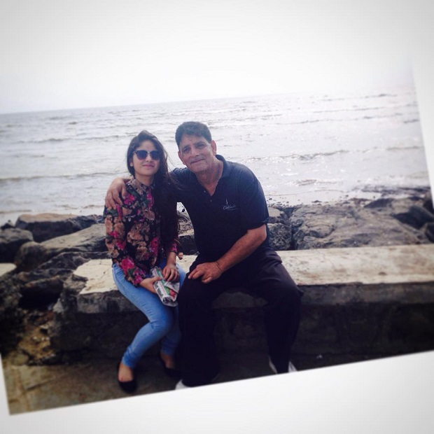 zaira-wasim-with-her-father1